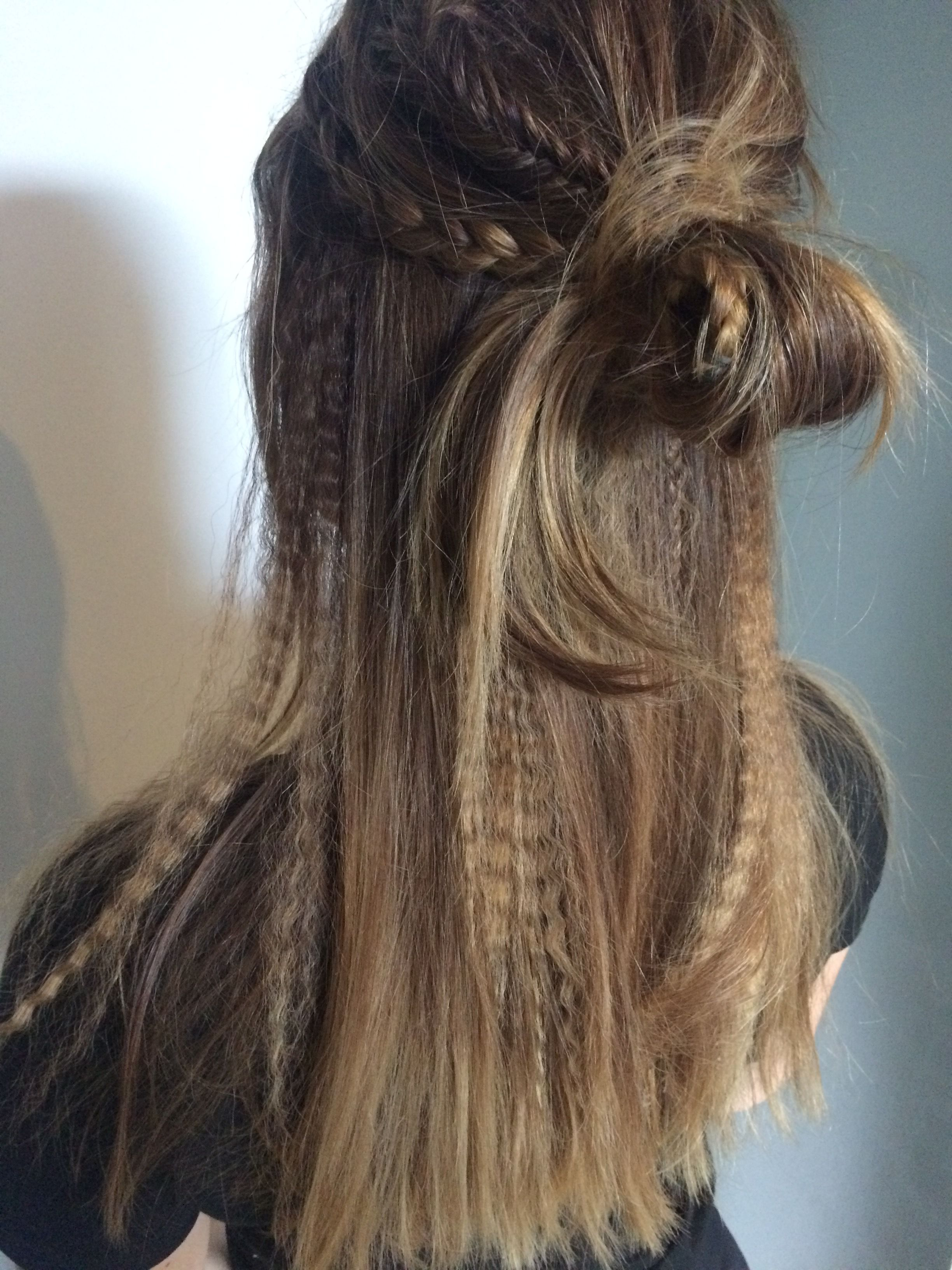 festival hairstyles messy half updo knot braids fishtail