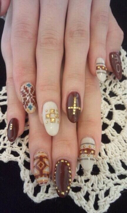 winter nail art don\'t like the long round nails but so cute ...