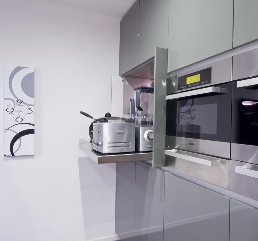 10-hidden-concealed-kitchen-appliance-cupboard-pull-out-benchtop - küchenzeile ohne hängeschränke