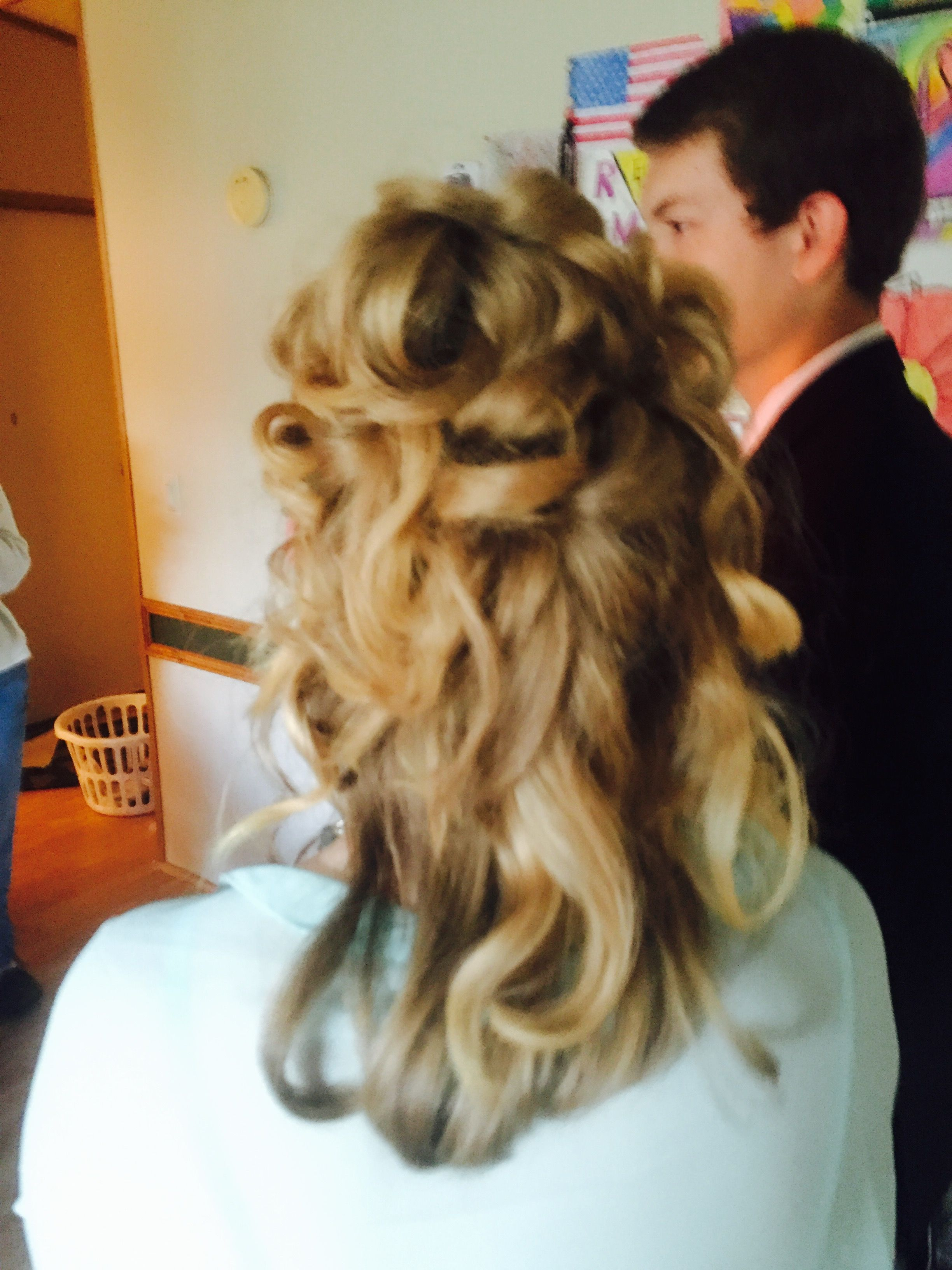 25 Bobby Pin Hairstyles You Havent Tried but Should | Glamour