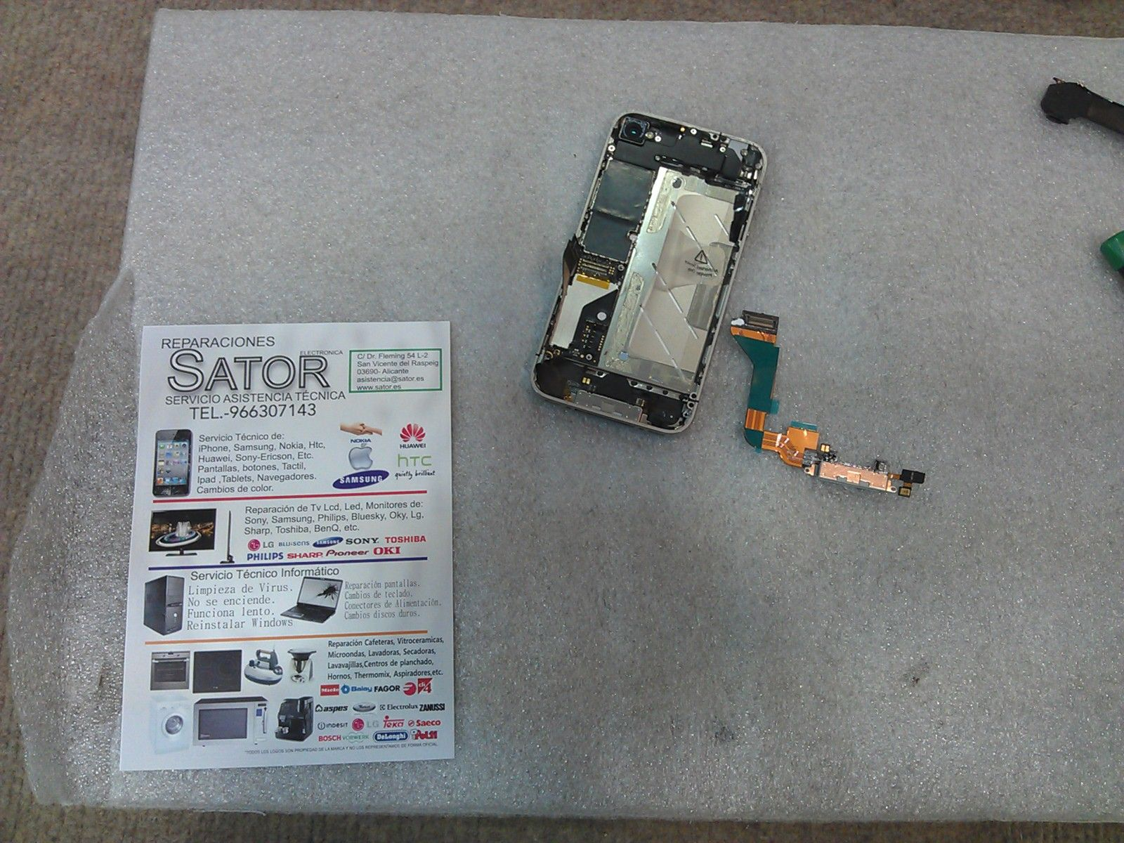 Iphone 4s No Funciona La Base De Carga No Conecta El Cargador O