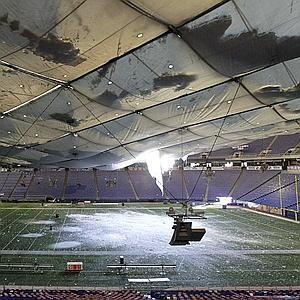 The Metrodome With Hole In Roof Minnesota Home Minnesota Travel Minnesota Vikings