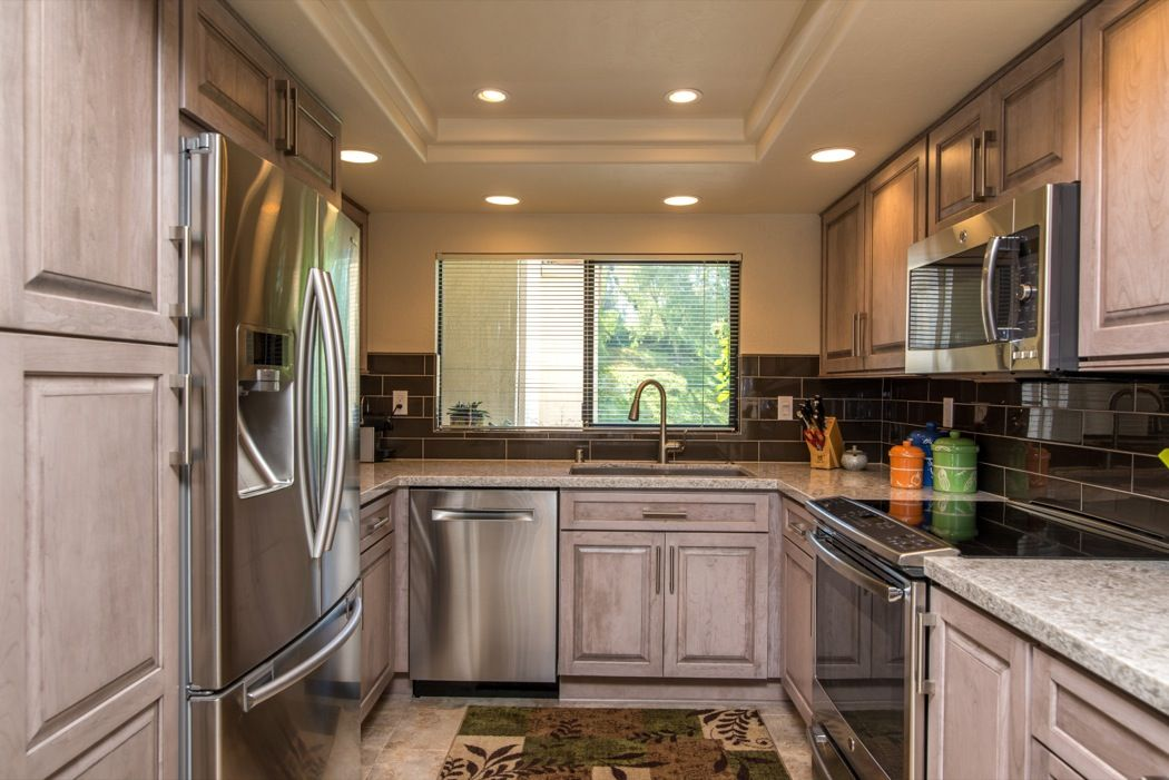 A kitchen remodel in San Diego, California, features ...