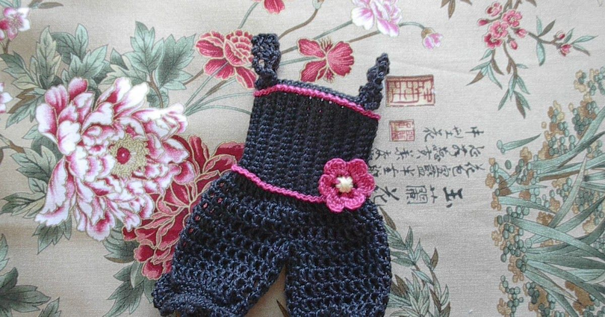 The first clothing patterns I'm going to upload for the Free Spirit Amigurumi doll are for two different bodices and underwear.  With these ...