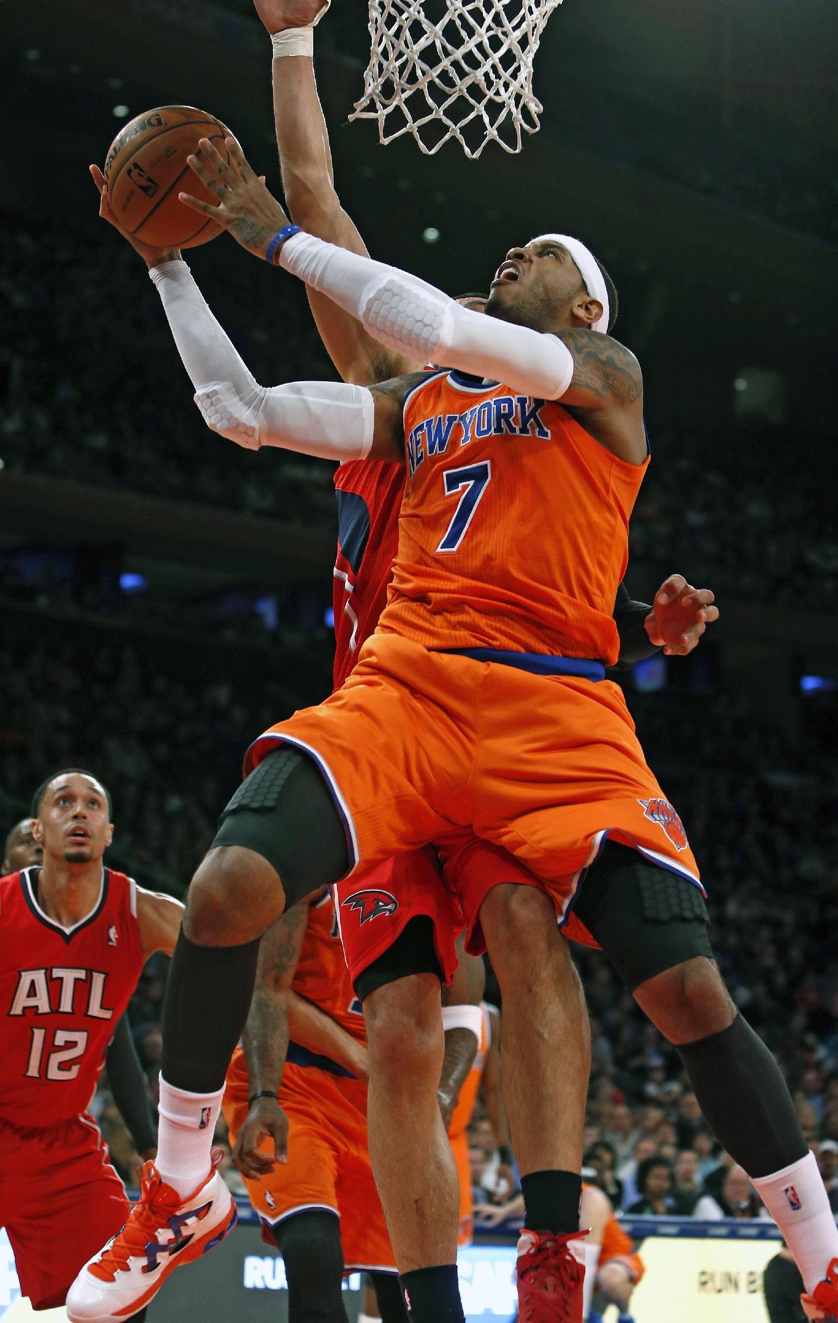 New York Knicks' Carmelo Anthony (7) shoots against