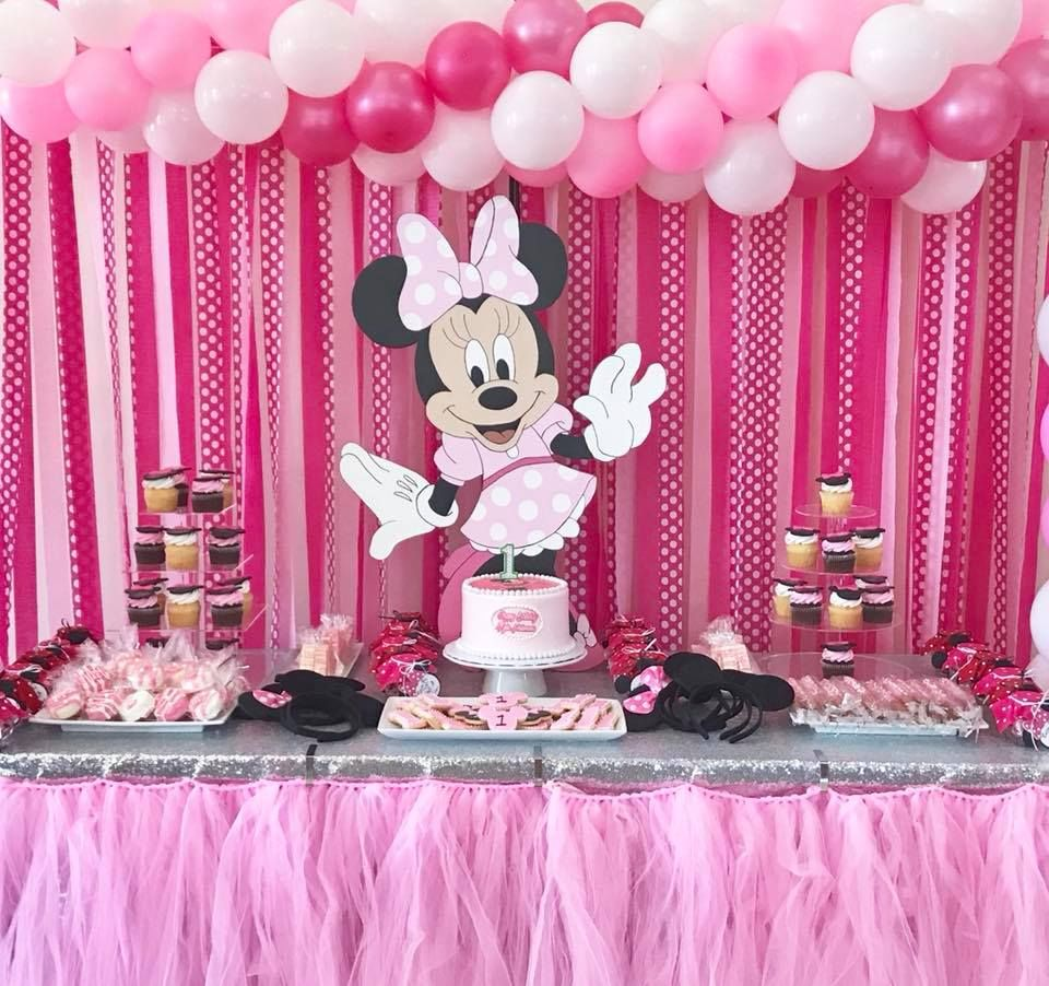 Party Favor Jar Full Of Kisses With A Thank You Tag Attachedsweets To Gochocolate Covered Oreoschocolate Drizzled Strawberry Wa Sweet Bar Minnie Minnie Mouse
