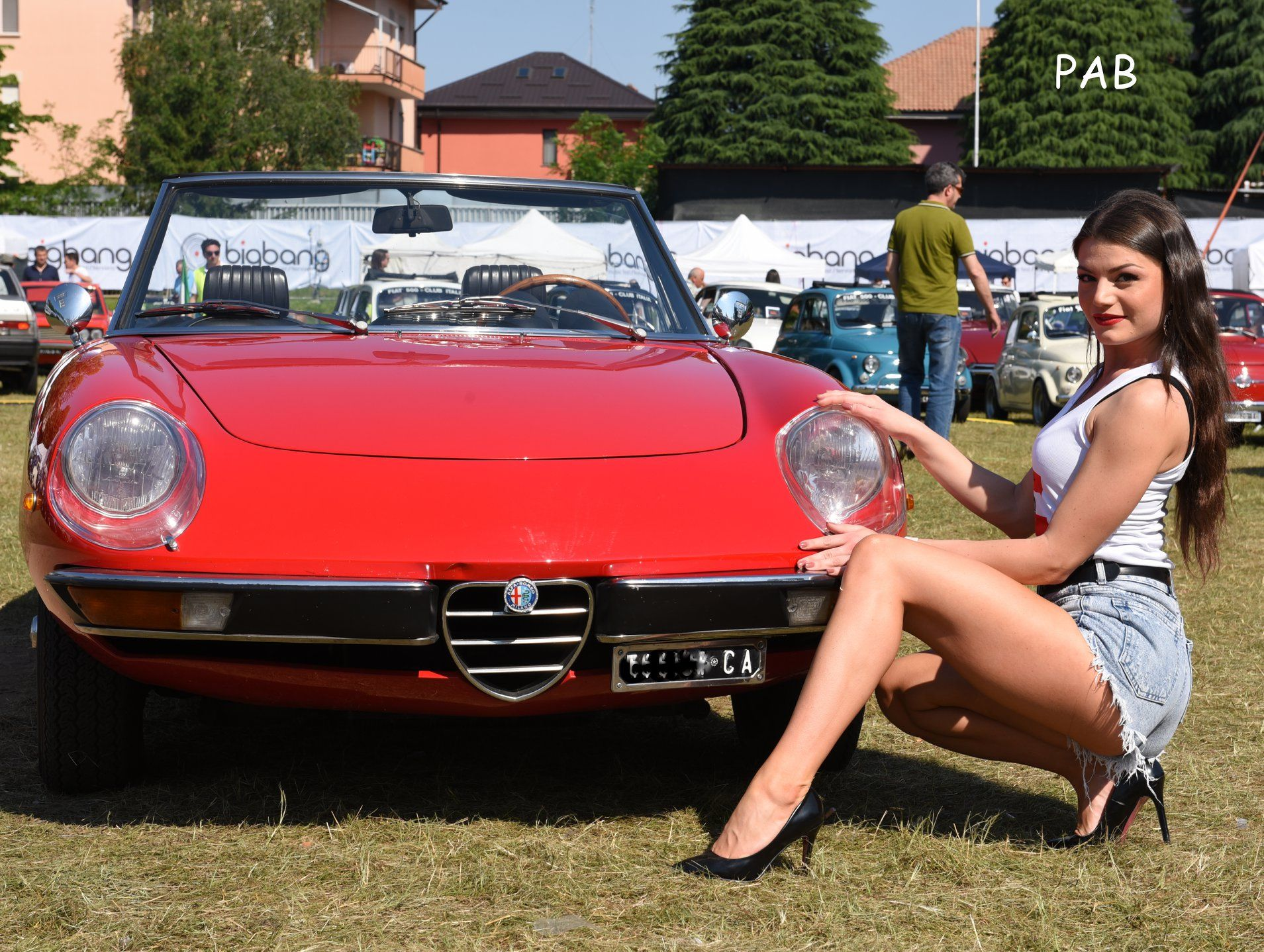My Favorite Spider With The Plexiglass Front Lights I Owned Two Of These Alfa Spiders 2000 Veloce Alfa Romeo Spider Classic Cars Alfa Romeo