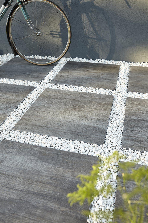 les allees contribuent a embellir et personnaliser les abords de la maison dalles galets graviers sont parfaits pour donner du cachet au jardin