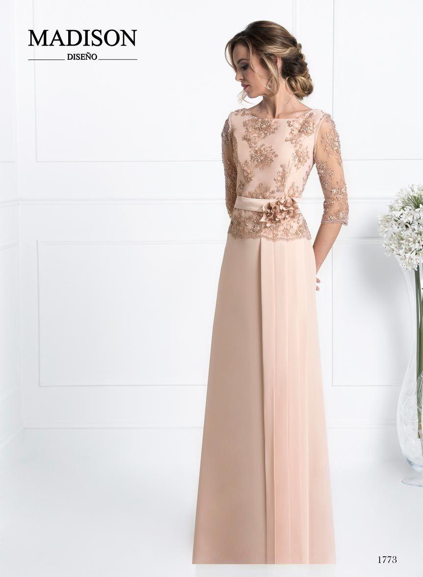e22e2c0a4 vestido de fiesta largo color rosa nude. Descubre la nueva Colección 2017 para  madrinas e invitadas de Madison Diseño
