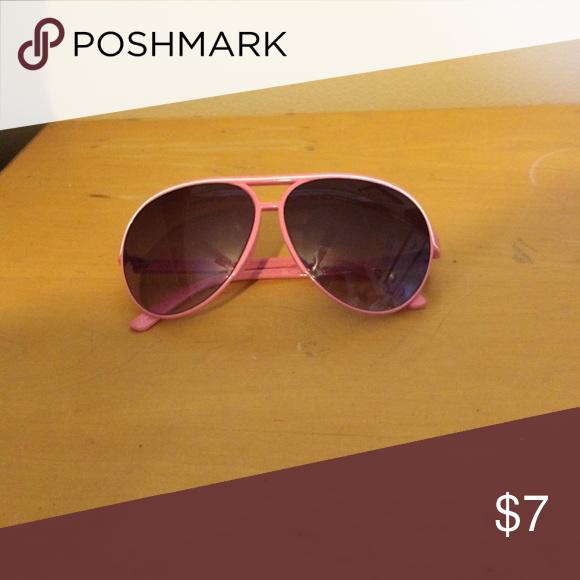 aviator sunglasses Pink and white aviator sunglasses Accessories Sunglasses