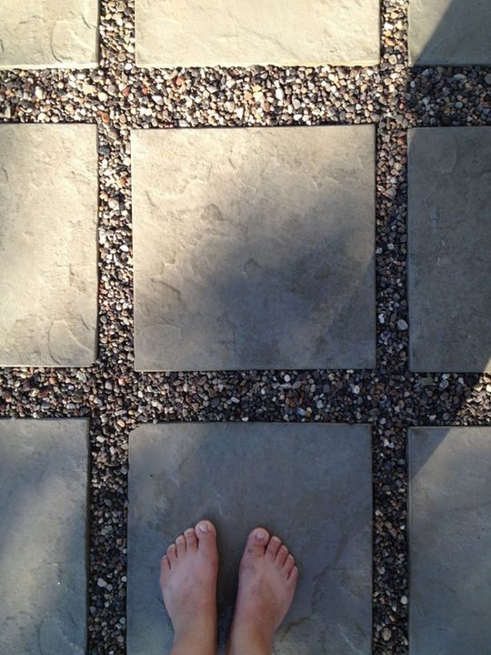 Love the gravel and tiles for front patio