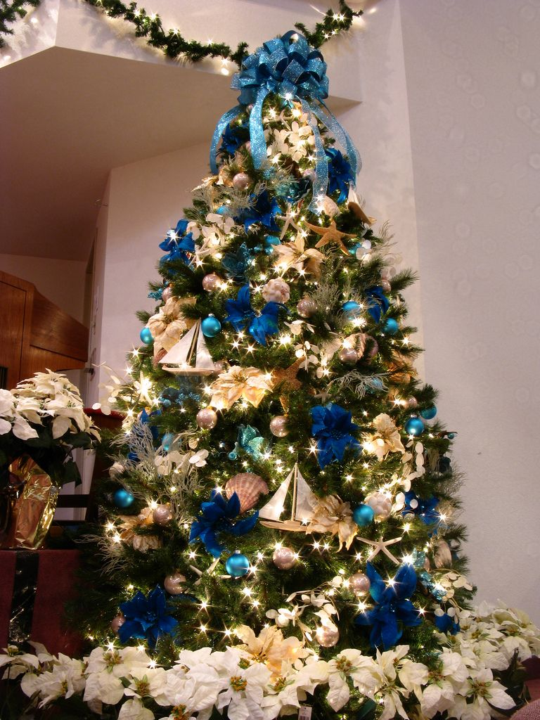 Beach holiday decor beach themed christmas decorations - Blue themed christmas tree ...