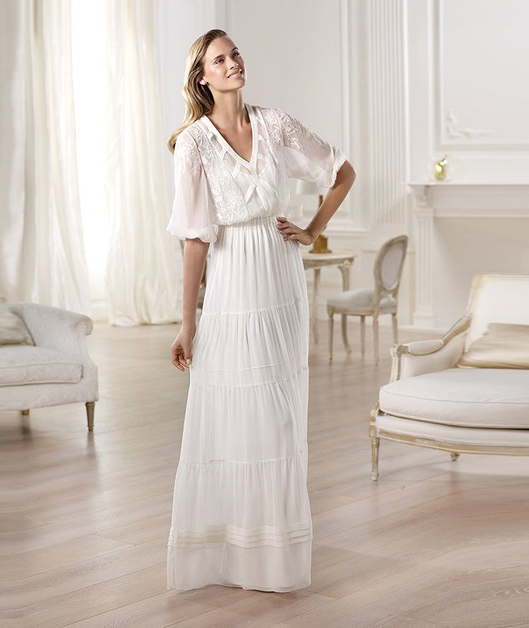 Pronovias presents the Omaira wedding dress. Fashion 2014. | Pronovias. Love me some boho
