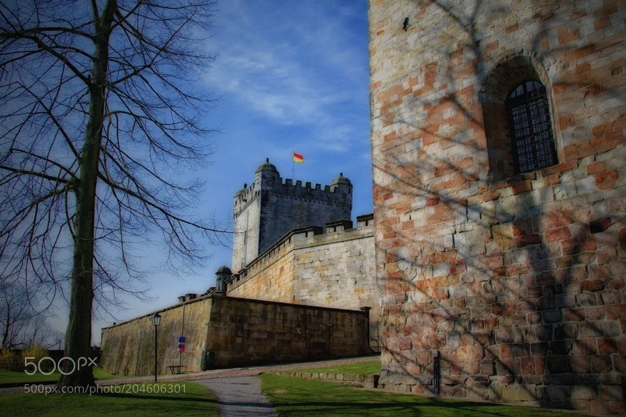 Bentheim Castle by Bilderreisen from http://500px.com/photo/204606301 - . More on dokonow.com.