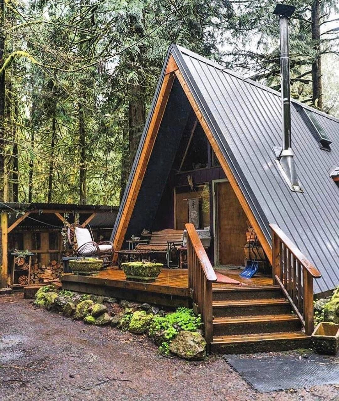 Idea By China Little On Home Ideas Small Log Cabin Building A Tiny House Log Cabin Homes