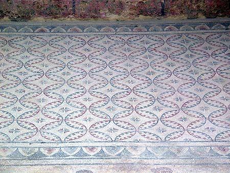 Beautiful Geometric Floor A Quilt Pattern