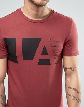 Camiseta ajustada con estampado LA de ASOS at asos.com
