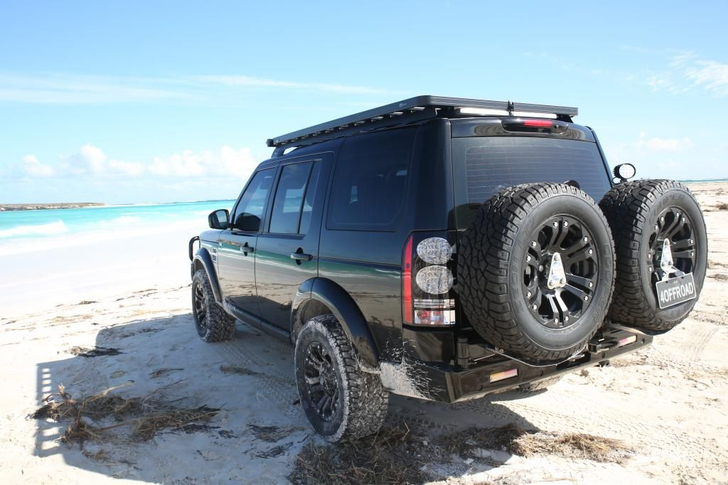 Black on Beach Land rover, Land rover discovery, Land