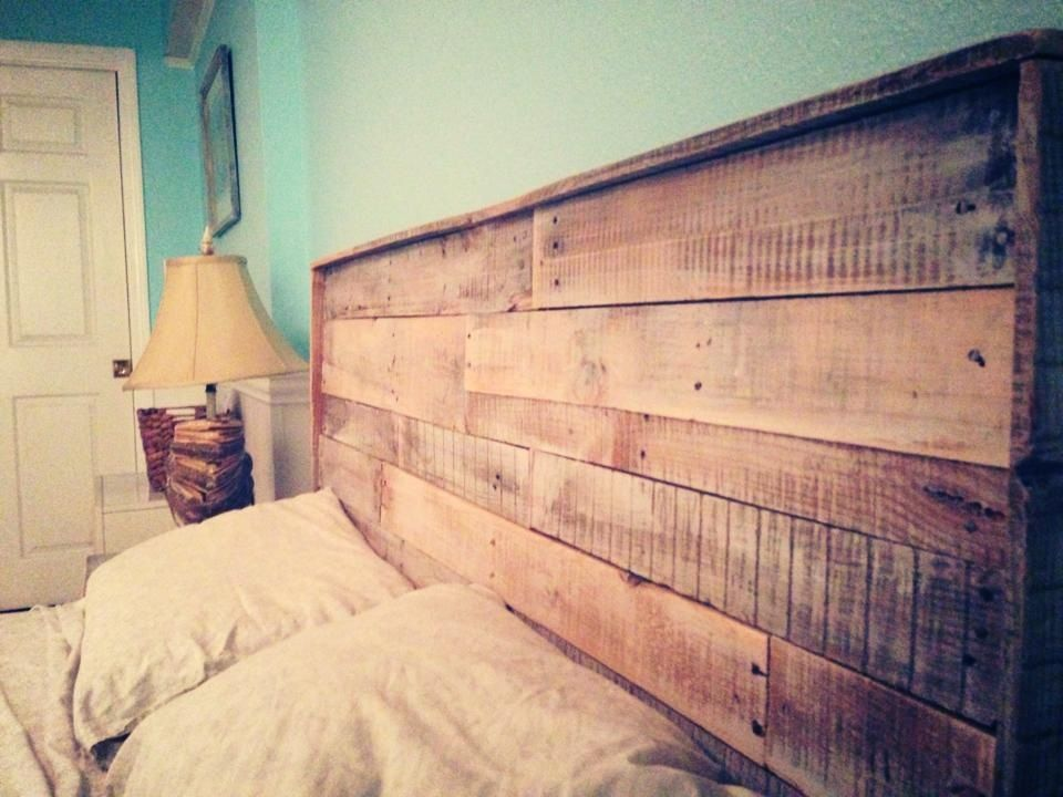 pallet headboard recycle diy bedroom einrichtung. Black Bedroom Furniture Sets. Home Design Ideas