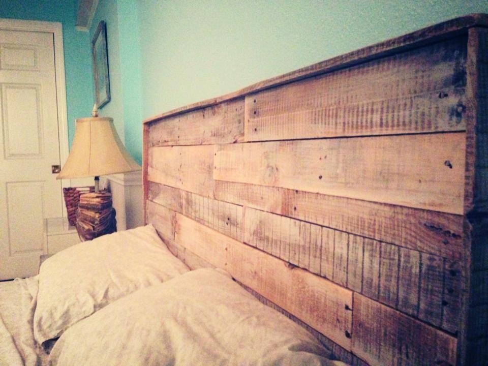 t te de lit en bois chambre d 39 ami deco chambre d co maison et d coration maison. Black Bedroom Furniture Sets. Home Design Ideas