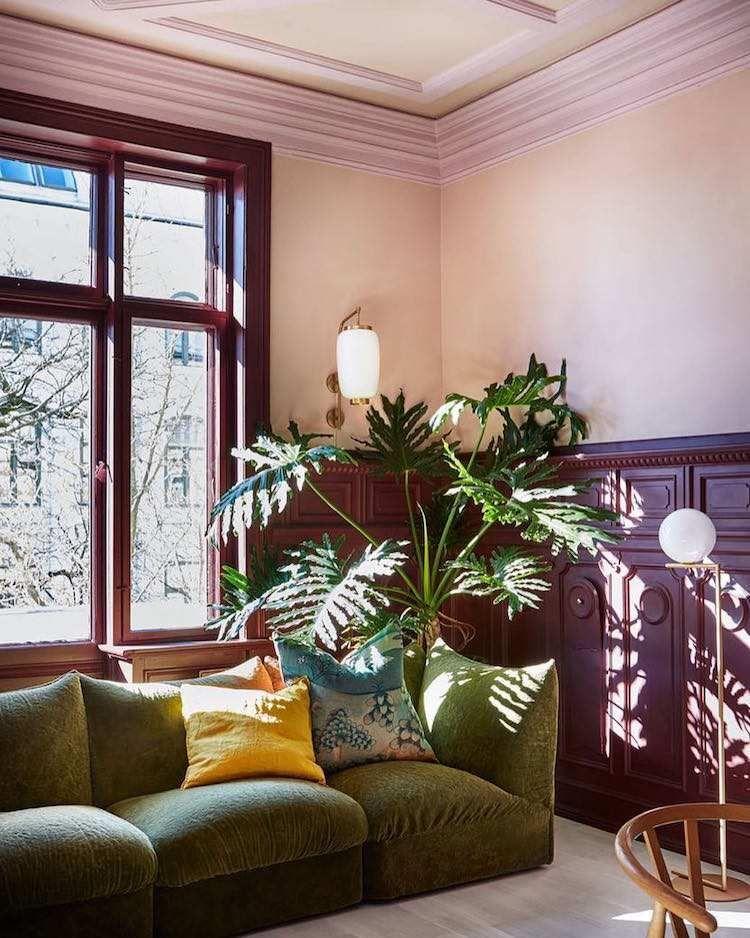 la couleur prune en d coration d int rieur les bonnes associations en 15 id es boiserie. Black Bedroom Furniture Sets. Home Design Ideas