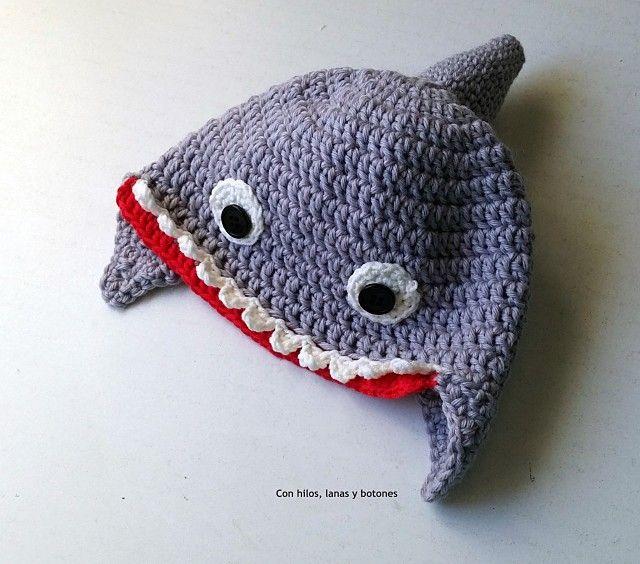 Gorro tiburón   Tiburones, Gorro de crochet y Botones