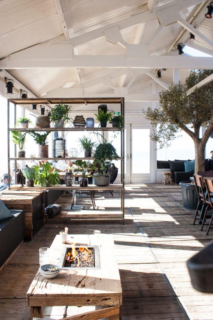 ubuntu beach zandvoort | witwonen | moodboard - beachclub
