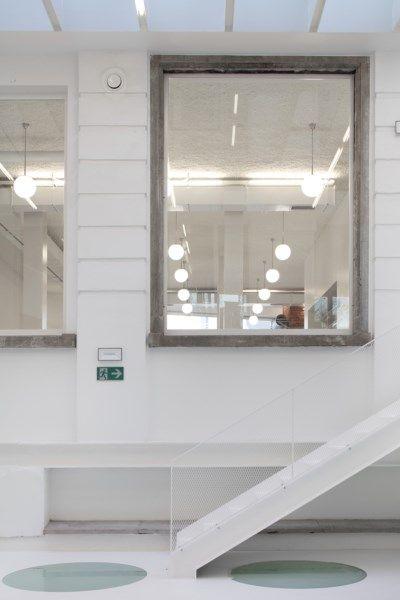 BINNENKIJKEN. Centrum voor mode en design in Brussel - De Standaard: http://www.standaard.be/cnt/dmf20170213_02727735