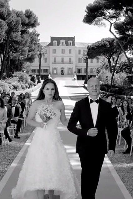 "no ""i do"" for natalie portman's miss dior 