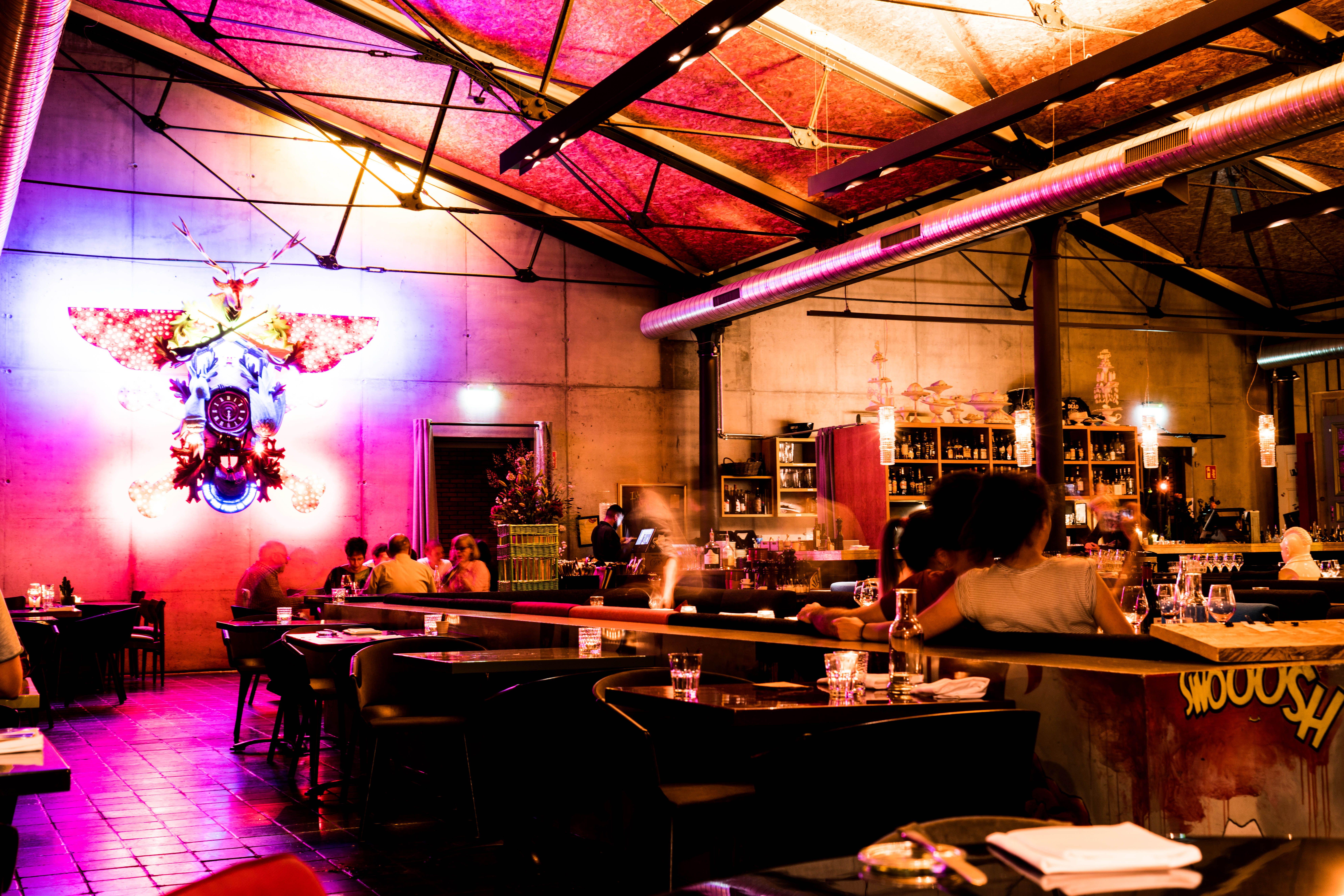 Die Bullerei bei Nacht - Sternschanze #timmälzer #restaurant ...