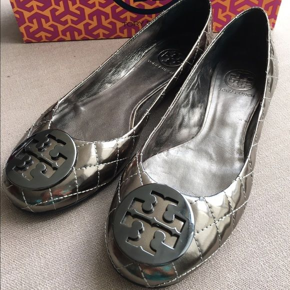a40fb06804a3 24 HOUR SALE! NEW 💯 AUTH Tory Burch Quilted Flats Gorgeous metallic  quilted Tory Burch