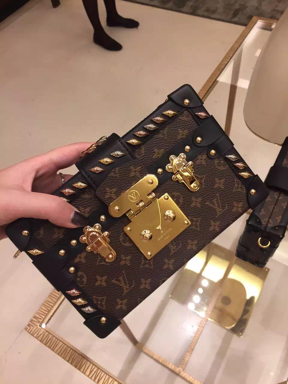 d67ca2483586 Louis Vuitton Studded Petite Malle Bag M41552