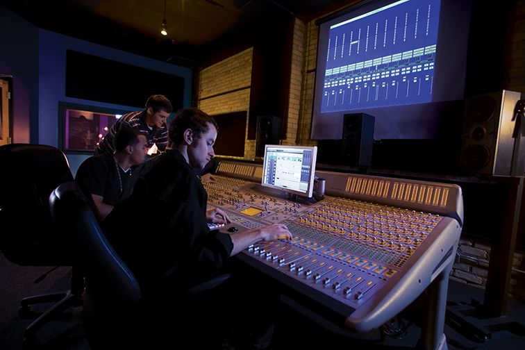 How to a Music Producer By Ashtyn Creel Are you a