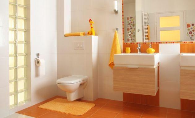 Cómo lograr una sensación de amplitud en baños pequeños con la