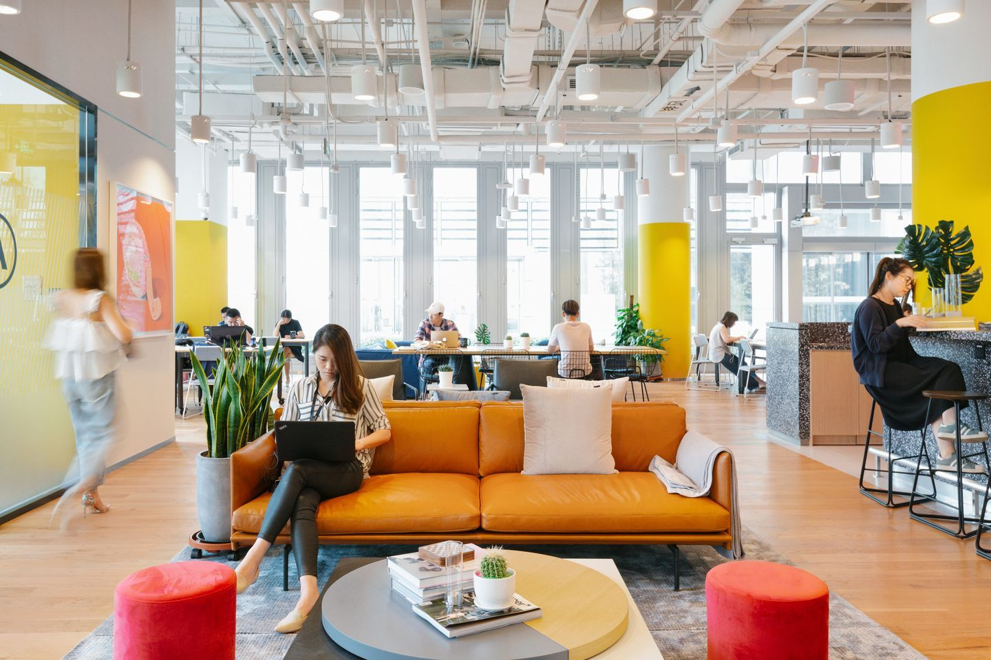An Innovative And Thoughtfully Designed Workspace Can Increase Employee Engagement Productivity And Innovative Office Office Interior Design Coworking Space