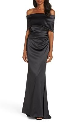 1436db367e8 VINCE CAMUTO Designer Off The Shoulder Gown