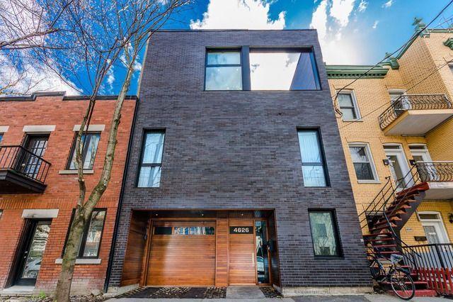 Maison à étages à Vendre à Le Plateau Mont Royal Montréal