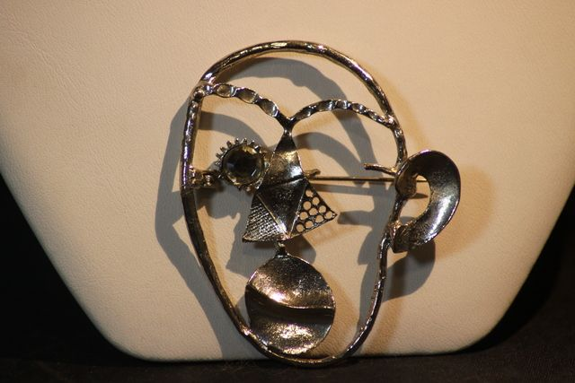 Vintage Large Silver Tone Face Pin Rhinestone. Starting at $5 on Tophatter.com!