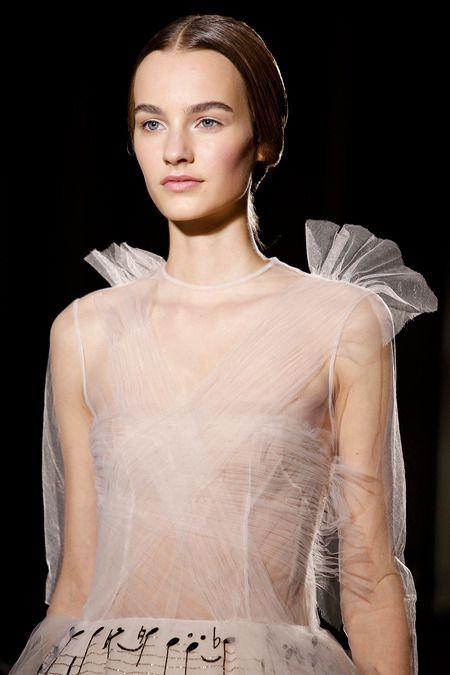 Eye for detail - Valentino Feminine - monstylepin #fashion #style #detail #valentino #fashionweek #tulle #sheer #trend #beauty