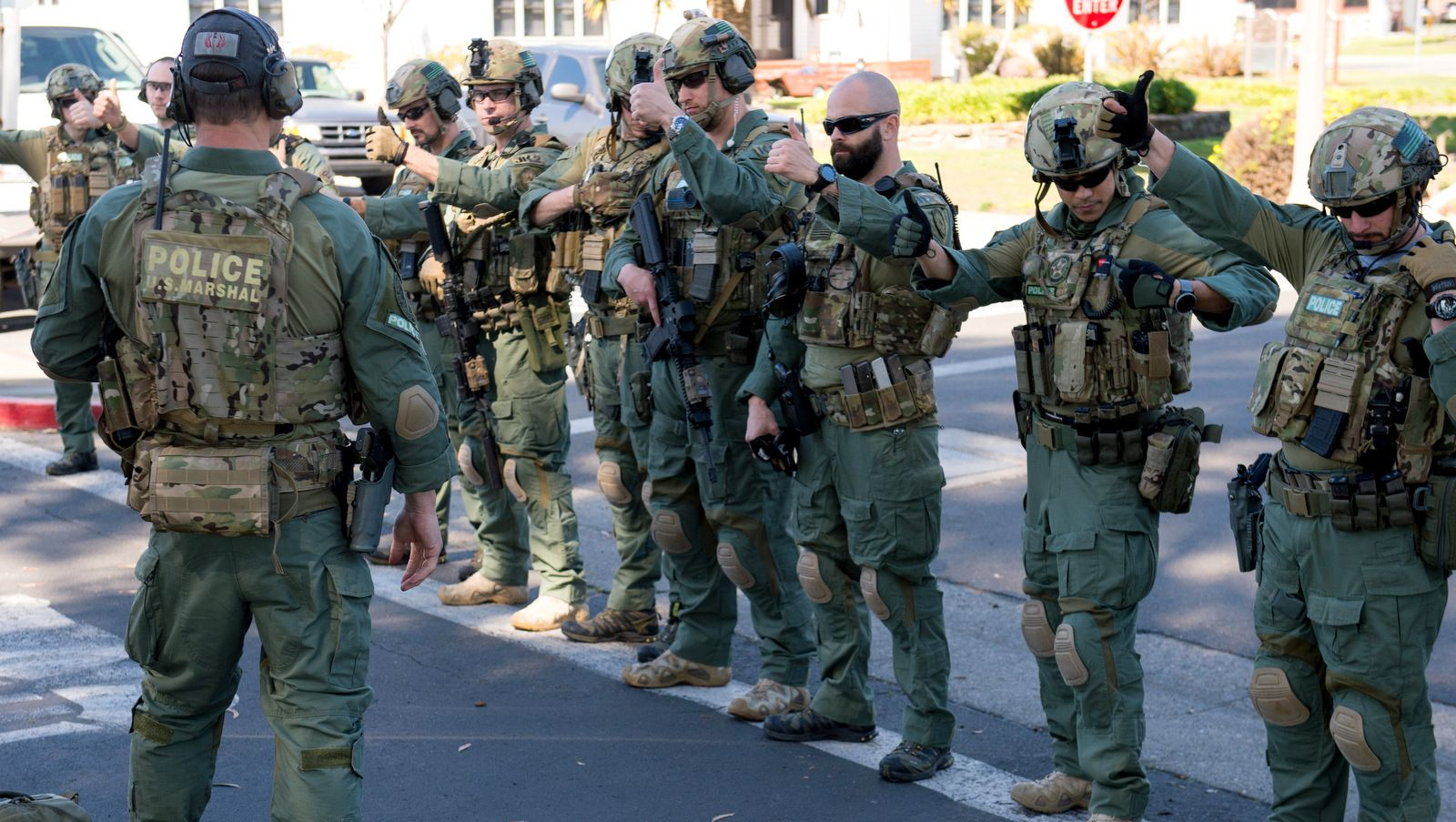 Fully Armed US Marshals Detain Man Over $1,500 Student Loan - US Marshals conduct training is ...