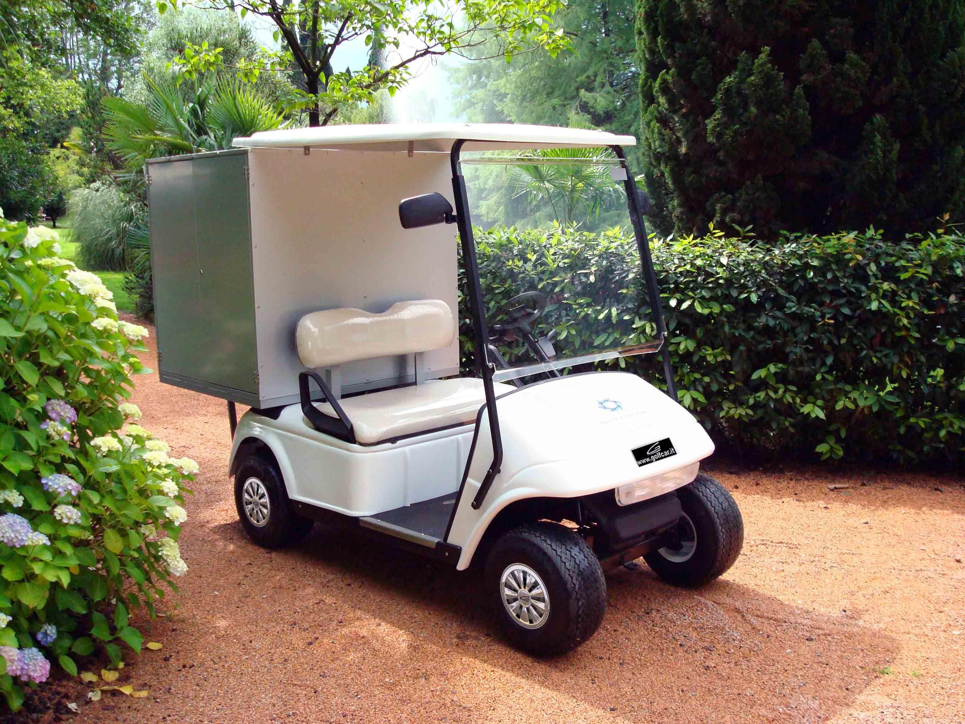 L'eccellenza della applicazione nell'utilizzo dei golf car al servizio del mercato globale. Grand Golf & Utility Cars
