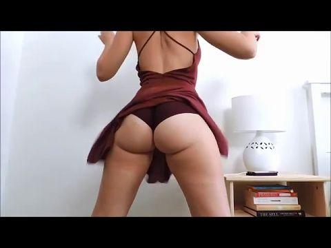 Girl sucking dick in the shower