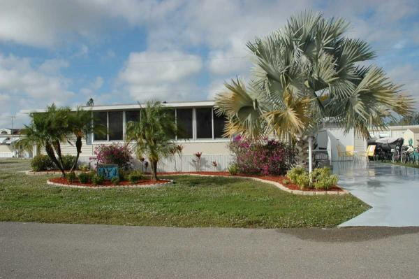 Available Homes Citrus Park Rv Resort And Manufactured Home Community In 2020 Citrus Park Bonita Springs Resort Style