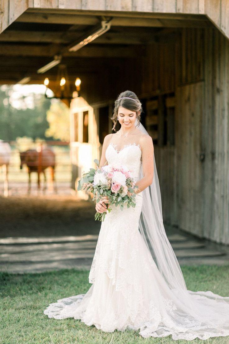 Horne Bay Farm Bridal Portrait Session - Glittery Bride #bridalportraitposes