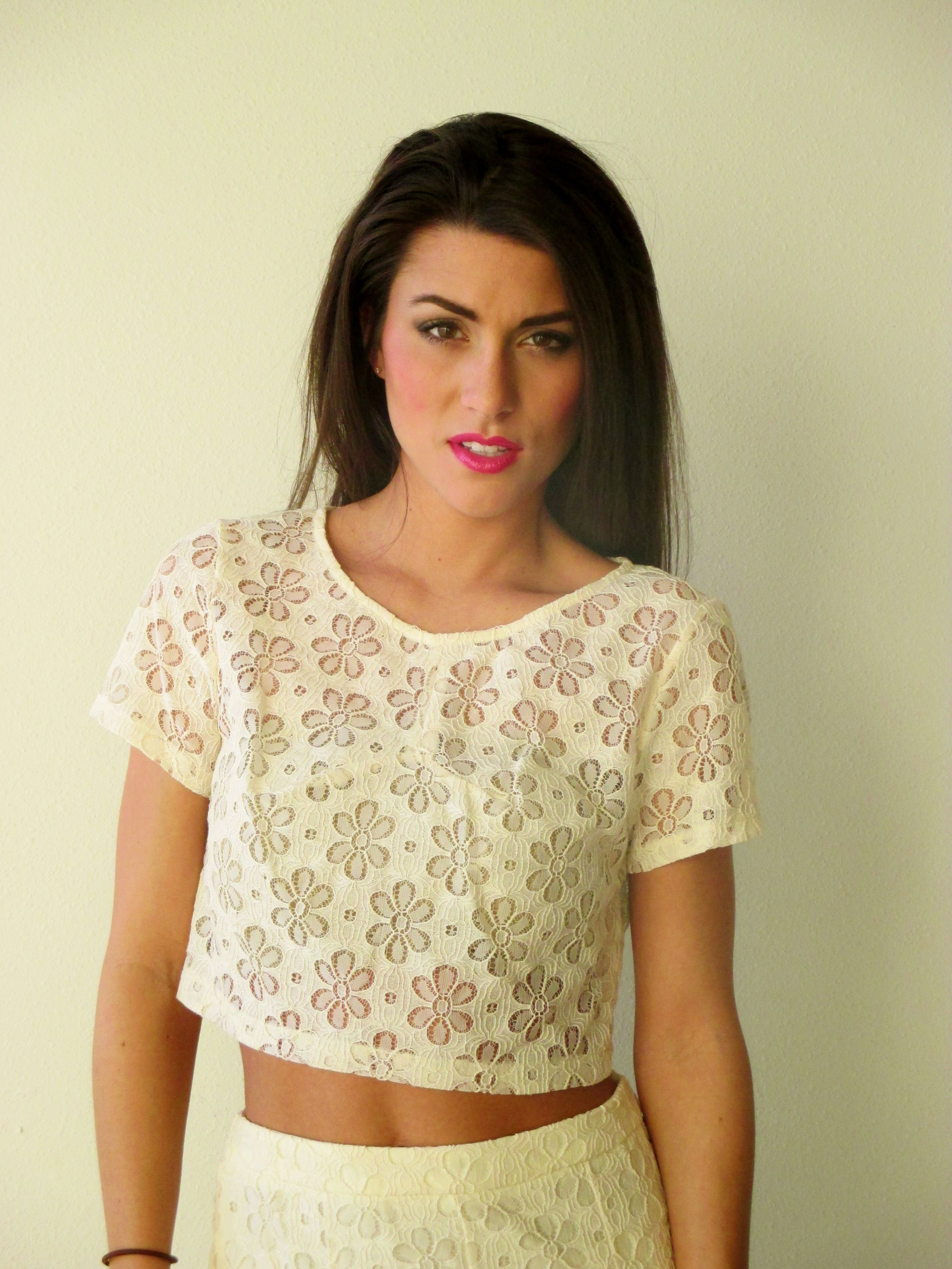 Cream Lace Short Sleeve Crop Top