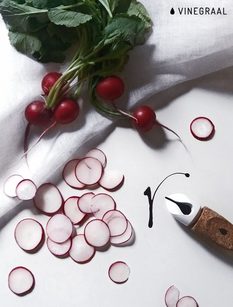 vinegraal.com/kick #balsamicvinegar #italianfood #acetobalsamico #tradition #foodlover #foodalphabet #radish