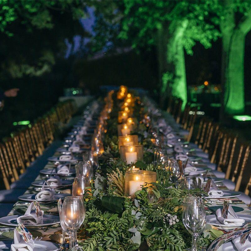 Mesas infinitas en verde y con velas. Bodas 2015. Deco flores la Tartana