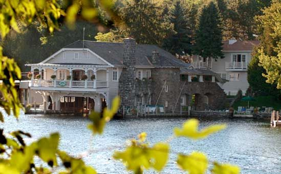 Boathouse Bed And Breakfast Stay On Lake George Bolton