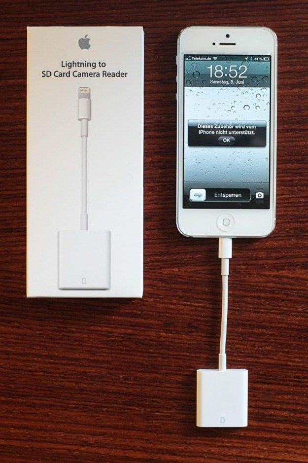 This hint saves you 29 Euros: Apple's Lightning SD Card Reader does not work on iPhone 5.