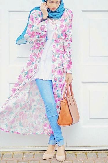 How to get hijab trendy looks - floral long cardigan- http://www.justtrendygirls.com/how-to-get-hijab-trendy-looks/